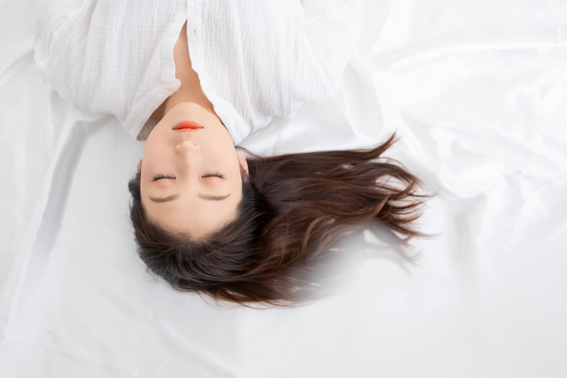 頭 の の とき 向き 寝る